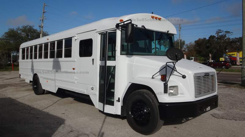 2008 Freightliner Thomas High Top C7 Caterpillar Allison